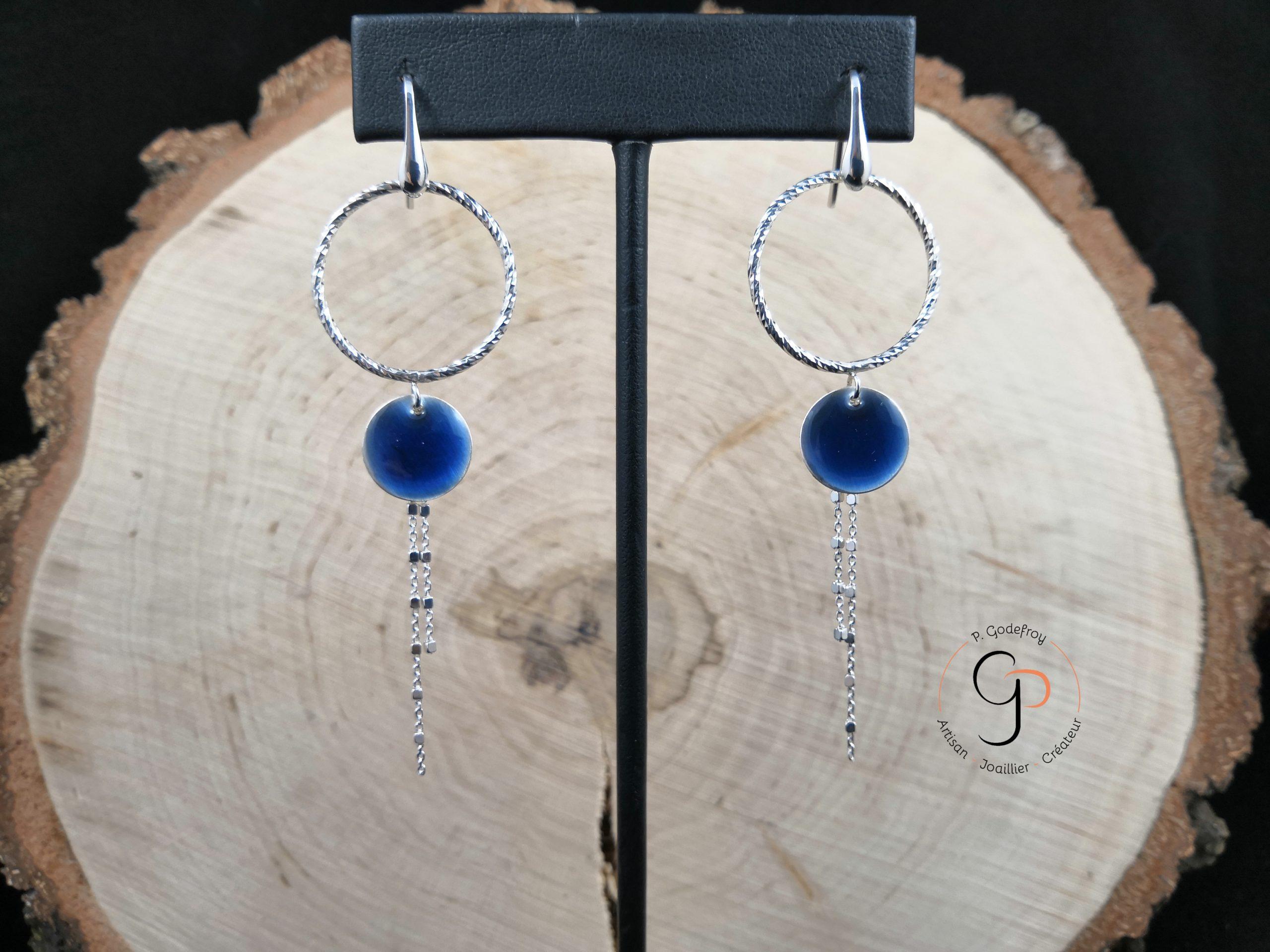 boucles d'oreilles cercles diamantés pendants laque bleue 63 euros