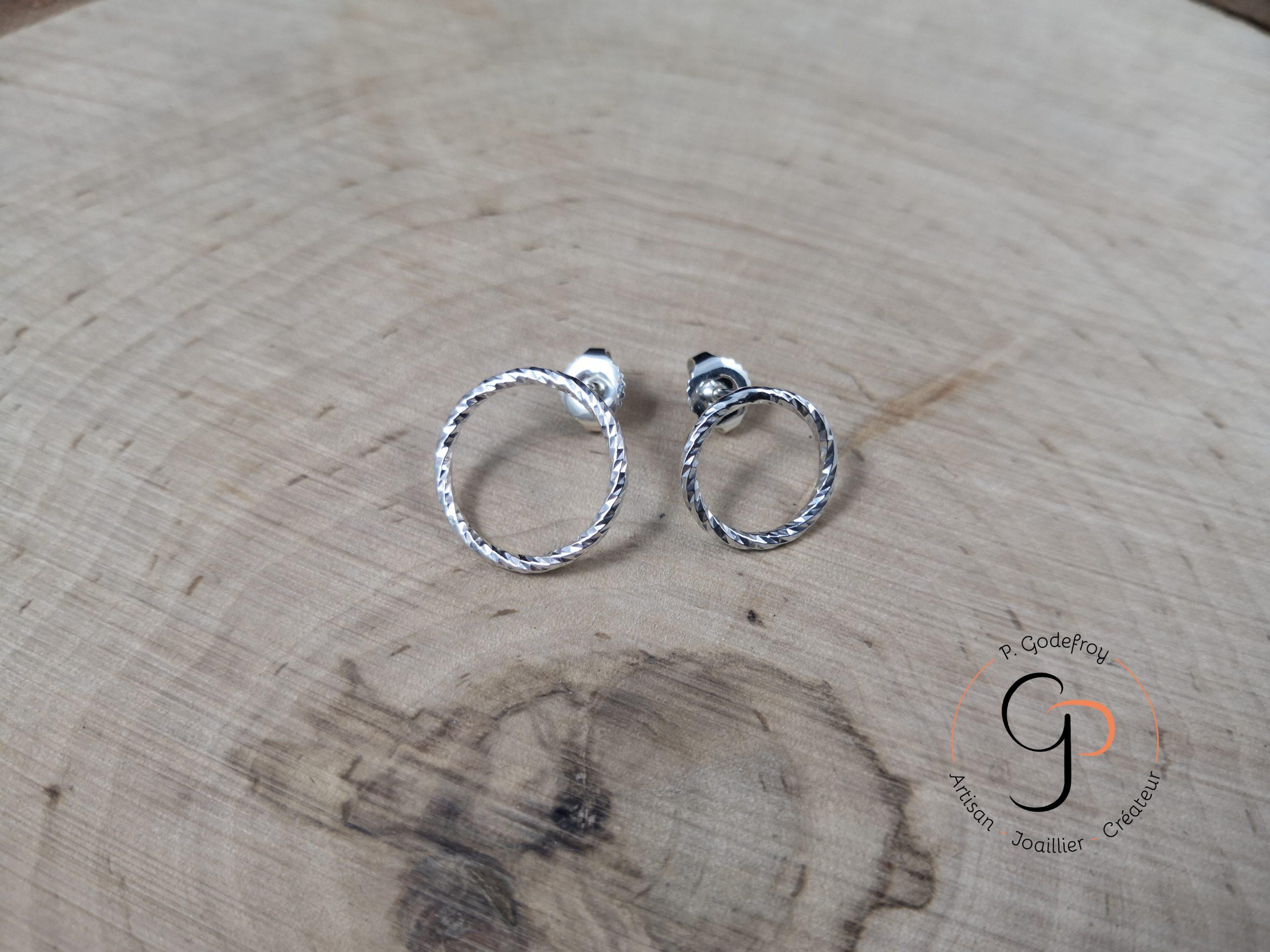 puces cercles diamantés asymétriques 30 euros