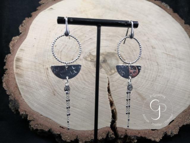 Boucles d'oreilles cercles perlés chaines et perle tourmaline 63 euros