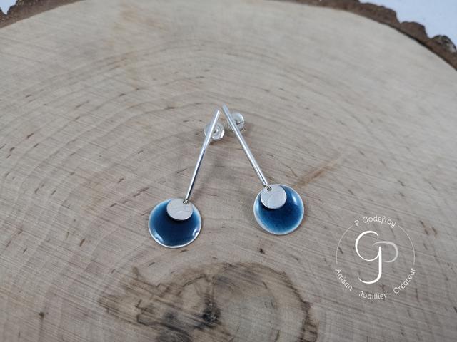 Boucles d'oreilles laque bleue en argent 925 millièmes 52 euros